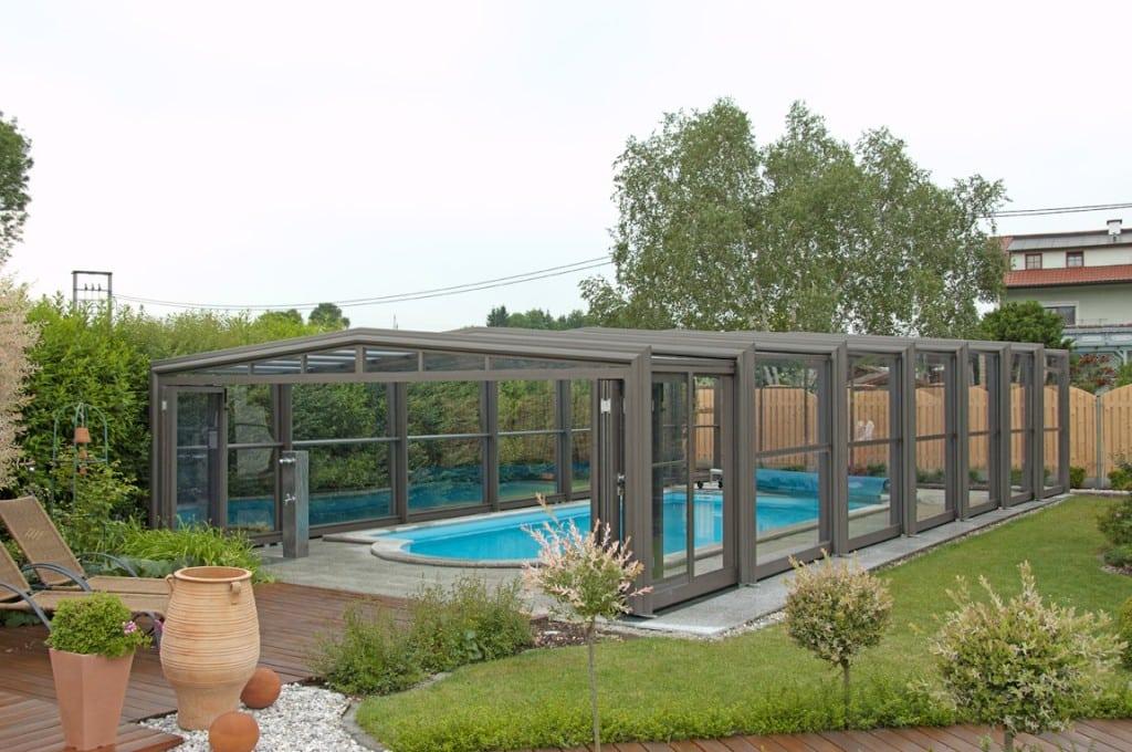 Un abri de piscine pour nager chez soi t comme hiver for Construction piscine hainaut
