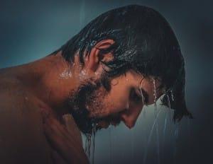 Les causes possibles de la chute des cheveux