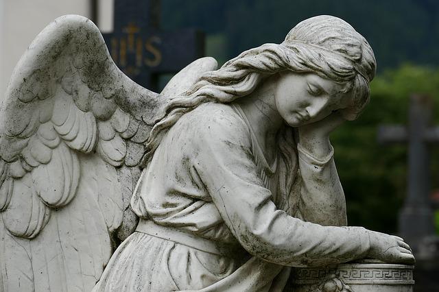 Rites funéraires: les 4 points communs