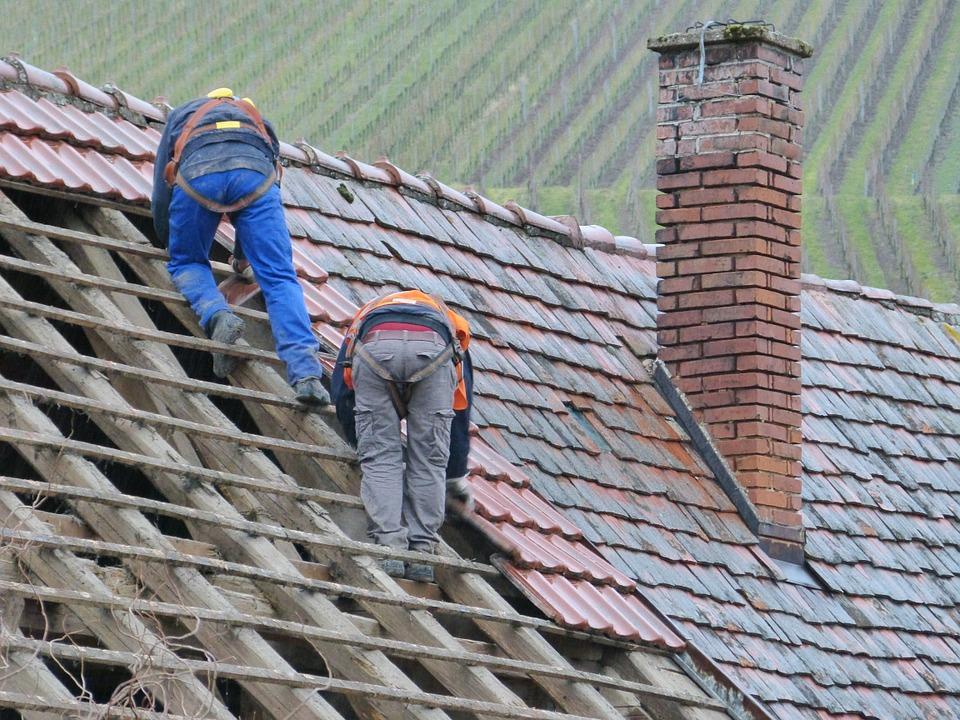 Rénover sur un toit ? Pensez à votre sécurité !