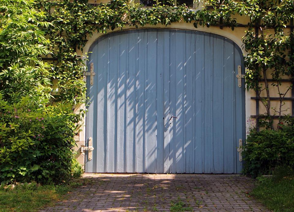 Transformer son garage en pièce à vivre: conseils et astuces