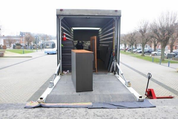 Avantages de louer un véhicule avec chauffeur pour son déménagement