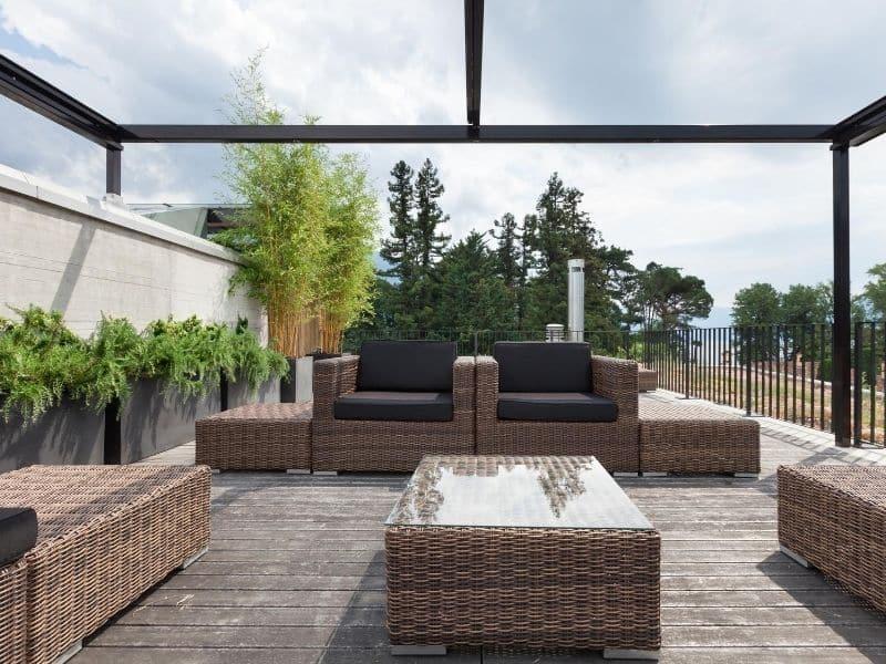 Abri de terrasse : l'atout de l'automne