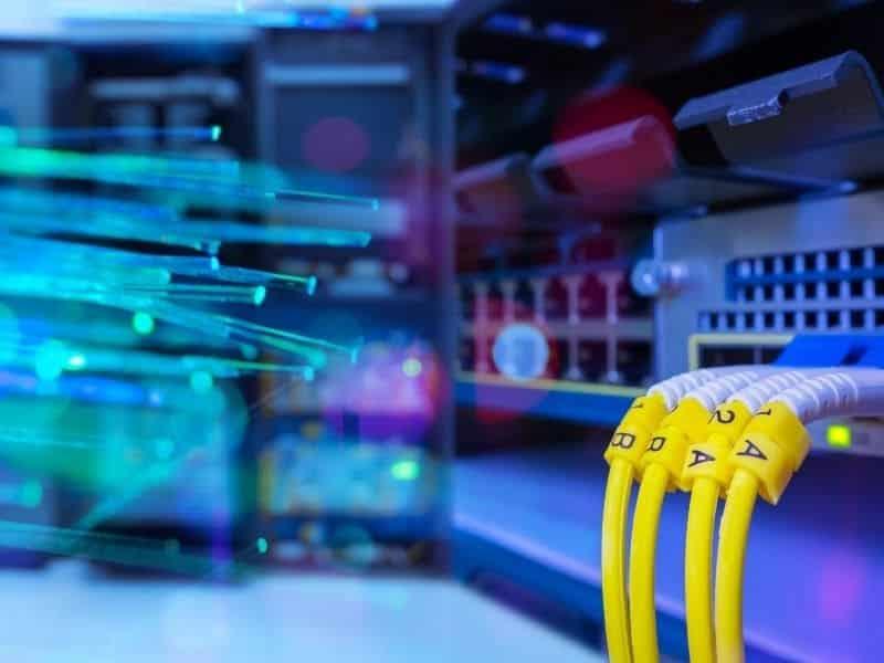 Câblage fibre optique industrielle pour une connexion internet sans accro