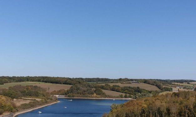 Les lacs de l'Eau d'Heure : une destination touristique où investir
